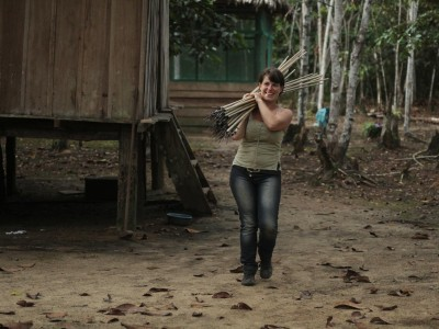 Fanny porte les flèches