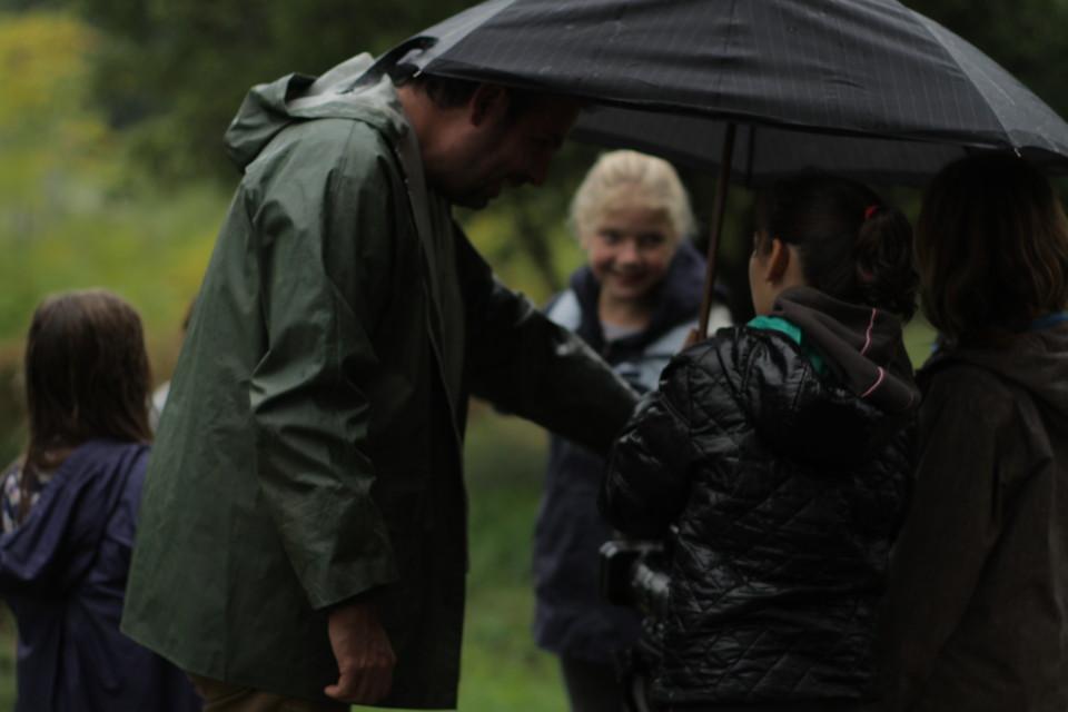 Tournage sous le parapluie à Monoblet, Marco et Lucie