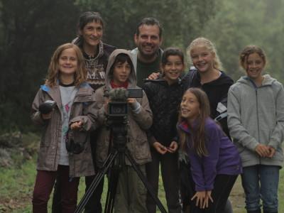 Premier jour de tournage, le groupe sous la pluie